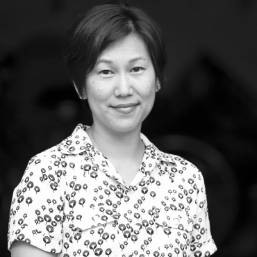 author photo of Jennifer Kwon Dobbs by Thaiphy Phan-Quang